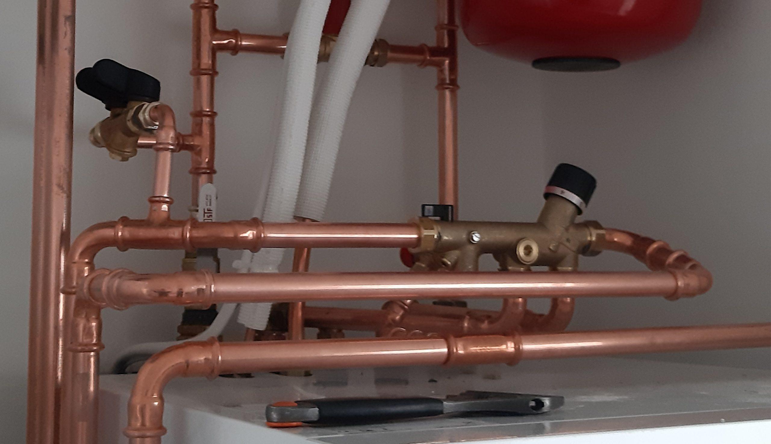 Lämmitysjärjestelmän asennustyöt, LVI-HEVI palvelee Pirkanmaan alueella.